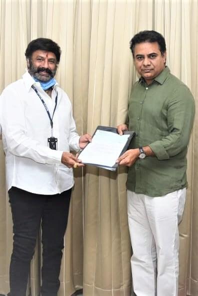 Basavatarakam Hospital Hyderabad chairman nandamuri balakrishna donation towards telangana CM relief fund