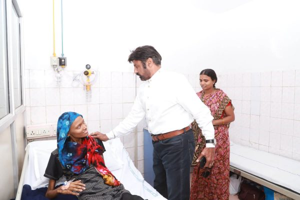 Our Hon'ble Chairman Helps a Bone Cancer Patient basavatarakam cancer hospital