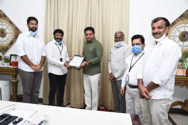 Basavatarakam hospital chairman nandamuri balakrishna donation towards telangana CM relief fund